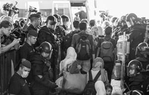 Thumbnail Bildergalerie March of Hope 16 | © Amnesty International/Sebastian Brötzner