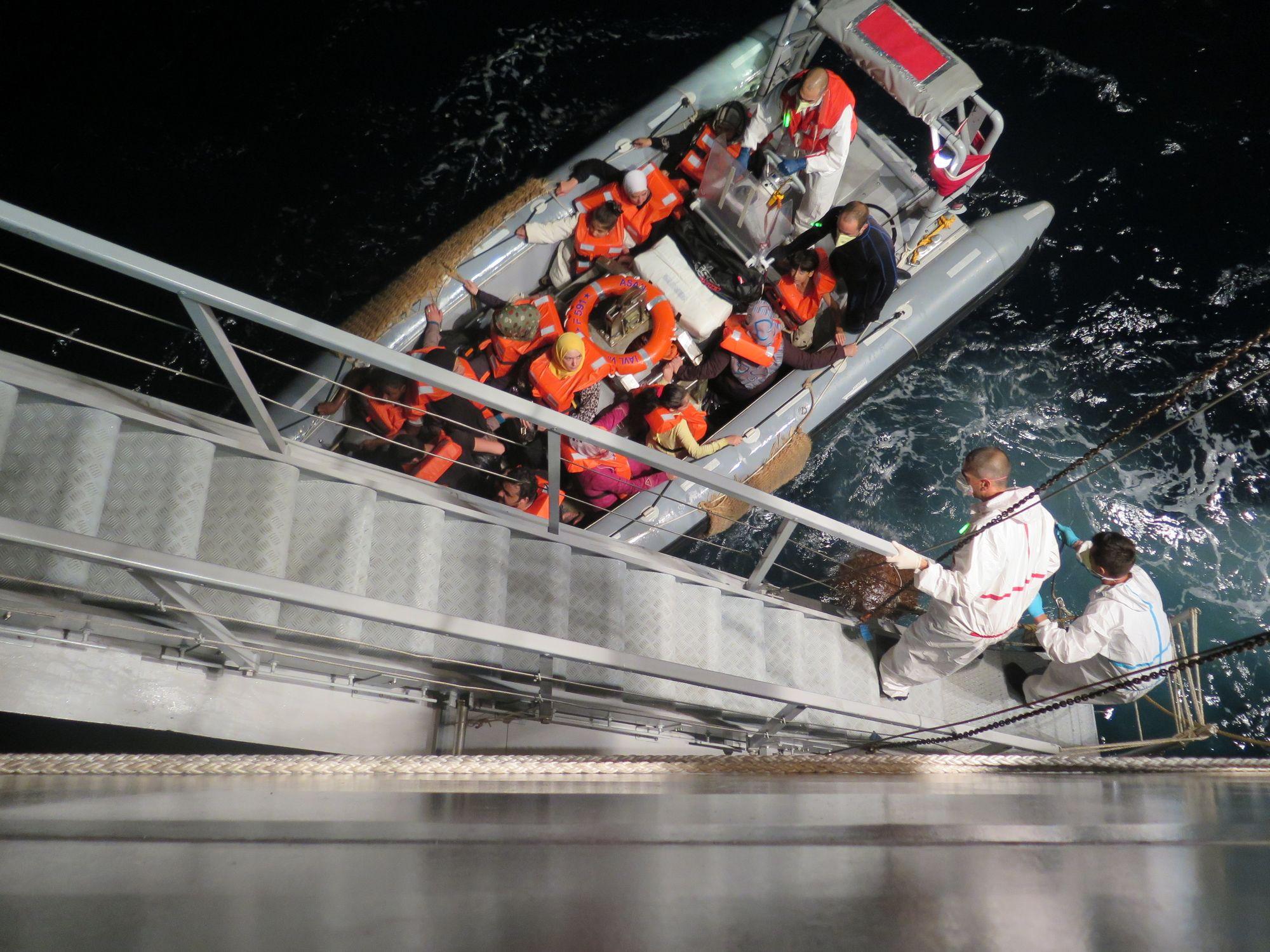 Seenotrettung im zentralen Mittelmeer, August 2014   © Amnesty International