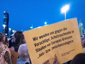 Thumbnail DemoReichsbrücke   © Amnesty-NW Frauenrechte