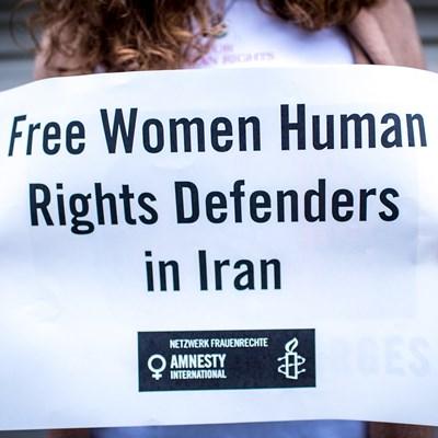 Iran: Haftstrafen für Frauenrechtsverteidigerinnen!