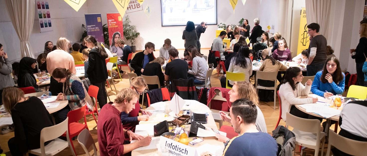 Schulklassen-beim-Briefmarathon-2019-Amnesty- Liebentritt Christoph 10.-Dezember-2019 | © Christoph Liebentritt/Amnesty International