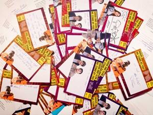Thumbnail Postkarten und Briefe beim Amnesty Briefmarathon 2019 | © Christoph Liebentritt/Amnesty International